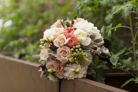 French connection 2017 wedding flower trends